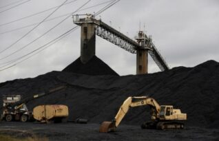 U.S. power producers' coal consumption falls to 35-year low - Reuters